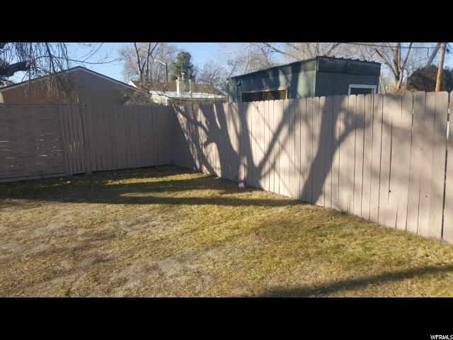 Additional photo for property listing at 1042 S 1500 W Street 1042 S 1500 W Street Salt Lake City, Utah 84104 Estados Unidos
