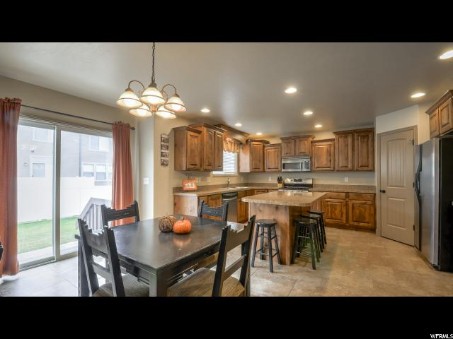 Additional photo for property listing at 3291 W 4375 S 3291 W 4375 S West Haven, Utah 84401 Estados Unidos