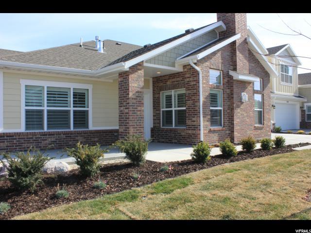 Maison accolée pour l Vente à 3232 W HARVEST CHASE Drive 3232 W HARVEST CHASE Drive Unit: 213 South Jordan, Utah 84095 États-Unis