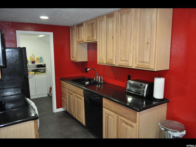 Additional photo for property listing at 4333 S 1175 W 4333 S 1175 W Unit: 25B Taylorsville, Utah 84123 États-Unis