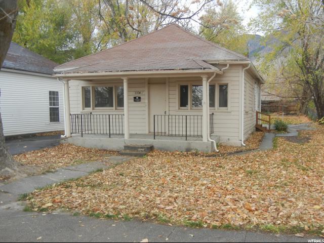 单亲家庭 为 销售 在 2220 S JACKSON Avenue 2220 S JACKSON Avenue 奥格登, 犹他州 84401 美国