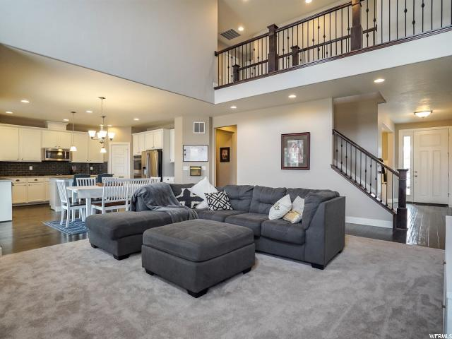 Additional photo for property listing at 12039 S SPROUT Circle 12039 S SPROUT Circle Riverton, Utah 84065 Estados Unidos