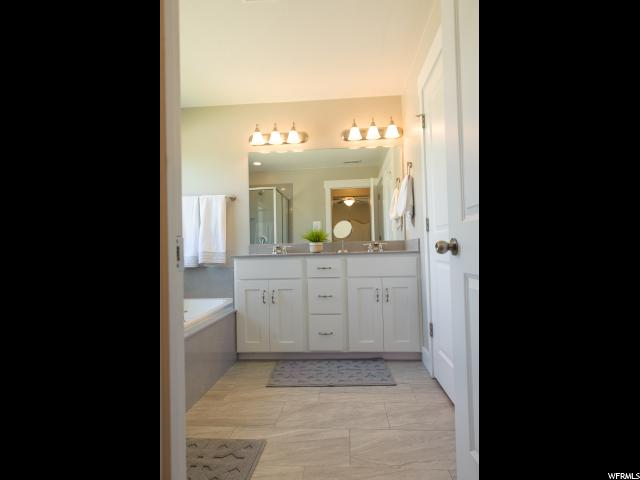 Additional photo for property listing at 241 W 380 S 241 W 380 S Unit: 19A American Fork, Utah 84003 États-Unis