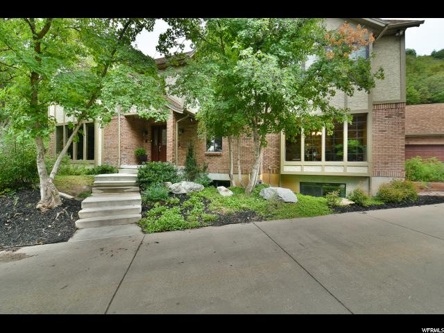 Single Family for Sale at 2047 S RIDGEHILL Drive 2047 S RIDGEHILL Drive Bountiful, Utah 84010 United States