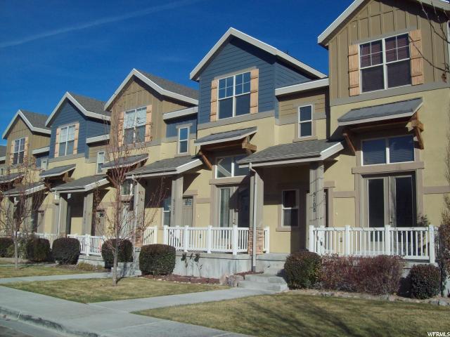 Maison accolée pour l Vente à 5112 W FORTROSE Drive 5112 W FORTROSE Drive Herriman, Utah 84096 États-Unis