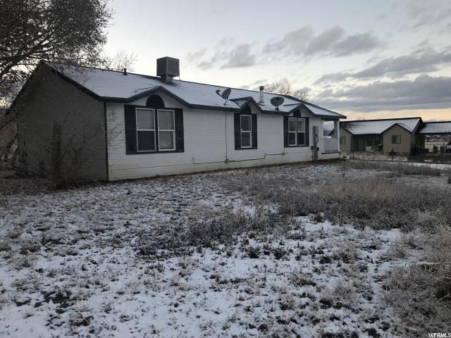 Additional photo for property listing at 62 E 4800 S 62 E 4800 S Vernal, Utah 84078 États-Unis