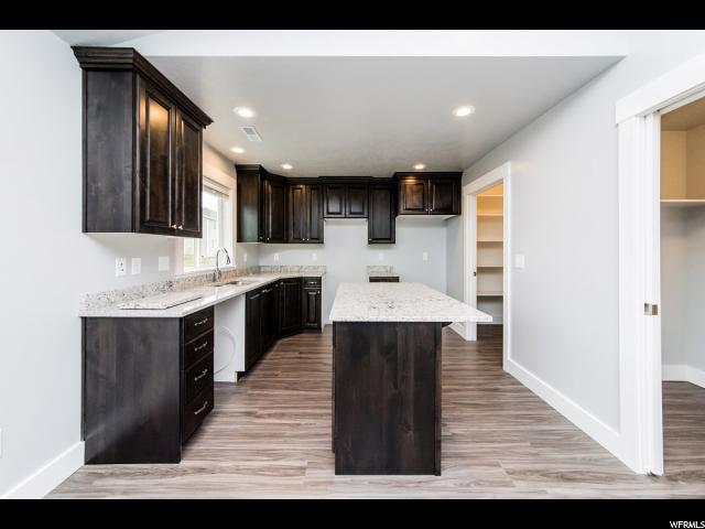 Additional photo for property listing at 4695 W 4650 S 4695 W 4650 S West Haven, Utah 84401 États-Unis