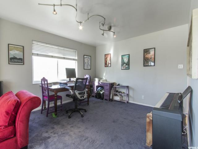 Additional photo for property listing at 2205 E EMERSON Avenue 2205 E EMERSON Avenue Salt Lake City, Utah 84108 États-Unis