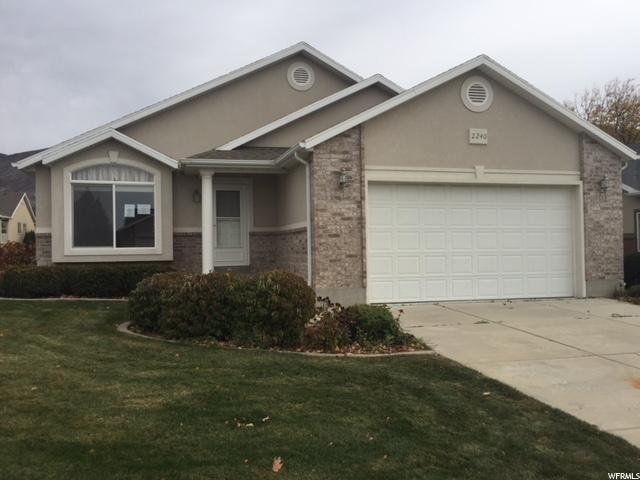 单亲家庭 为 销售 在 2240 N 515 E 2240 N 515 E North Ogden, 犹他州 84414 美国