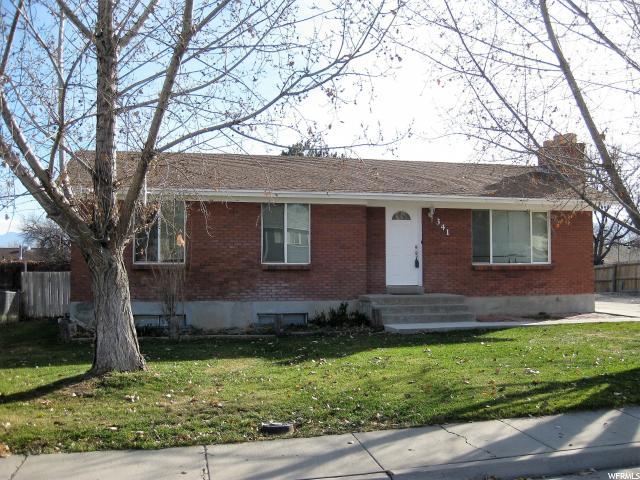 单亲家庭 为 销售 在 341 S SEVERE Street 341 S SEVERE Street Grantsville, 犹他州 84029 美国