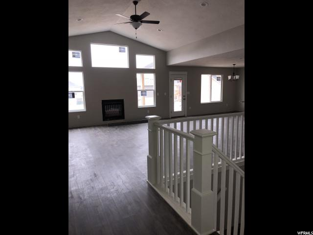 Additional photo for property listing at 527 S 3350 W 527 S 3350 W Syracuse, Utah 84075 United States