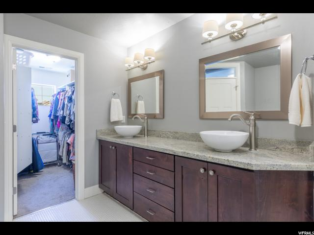 Additional photo for property listing at 8986 N BARTON CREEK Drive 8986 N BARTON CREEK Drive Eagle Mountain, Utah 84005 États-Unis