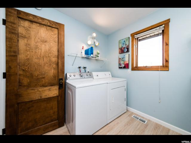 Additional photo for property listing at 99 E 200 S 99 E 200 S Millville, Utah 84326 États-Unis