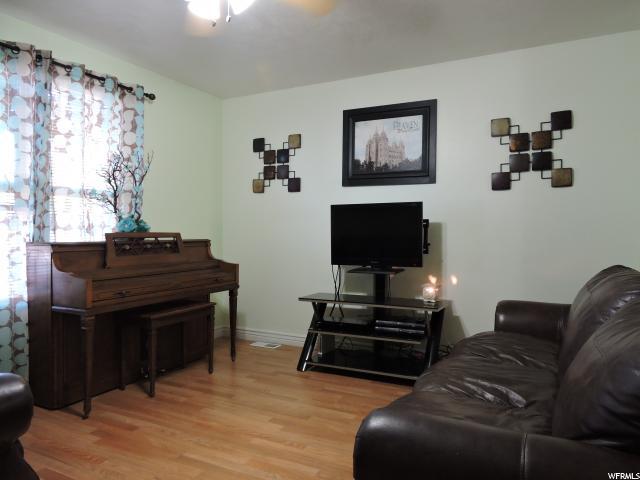 Additional photo for property listing at 42 S 1000 E 42 S 1000 E Payson, Utah 84651 Estados Unidos