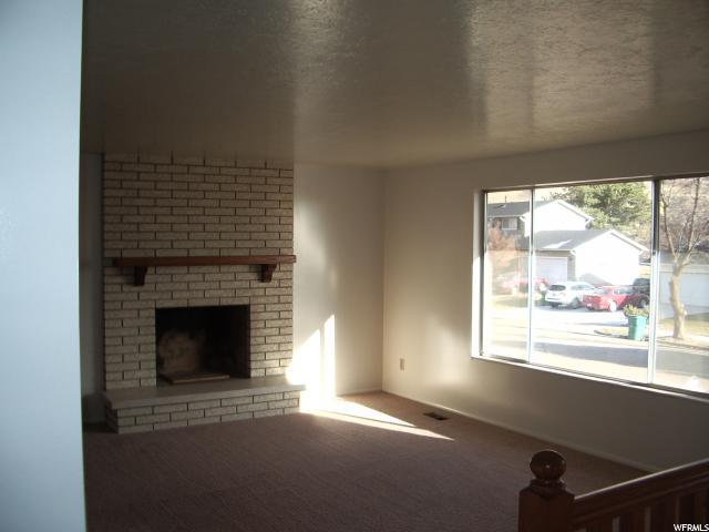 Additional photo for property listing at 2239 E 1200 N 2239 E 1200 N Layton, Utah 84040 Estados Unidos