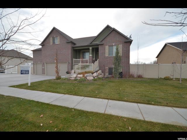 单亲家庭 为 销售 在 1748 S 3660 W 1748 S 3660 W Syracuse, 犹他州 84075 美国
