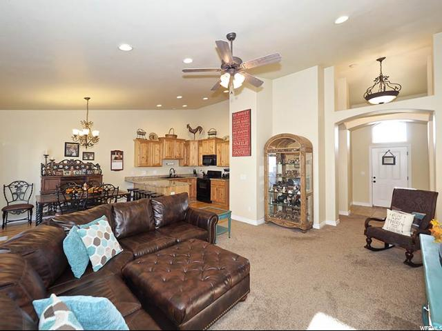 Additional photo for property listing at 4388 W SACAJEWA Street 4388 W SACAJEWA Street Riverton, Utah 84096 Estados Unidos