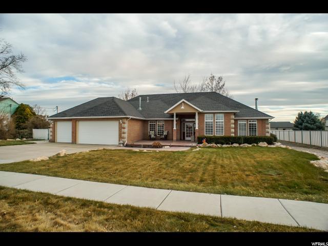 单亲家庭 为 销售 在 1639 W 700 S 1639 W 700 S Syracuse, 犹他州 84075 美国