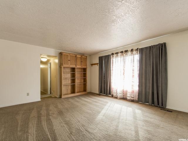 Additional photo for property listing at 3589 W GORDON Avenue 3589 W GORDON Avenue Layton, Юта 84041 Соединенные Штаты