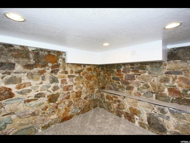 Additional photo for property listing at 472 E 400 S 472 E 400 S Provo, Utah 84606 Estados Unidos