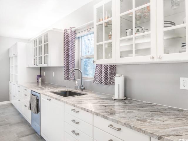 Additional photo for property listing at 1440 E SIGSBEE Avenue 1440 E SIGSBEE Avenue Salt Lake City, Utah 84103 États-Unis