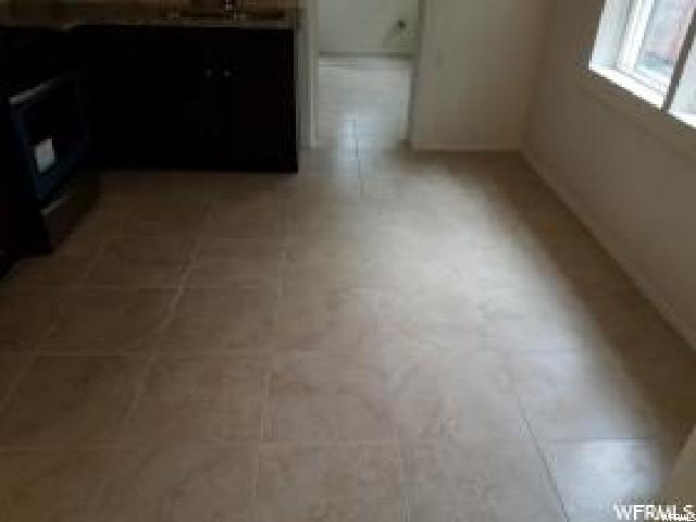 Additional photo for property listing at 1554 W RUSSETT Avenue 1554 W RUSSETT Avenue Salt Lake City, Utah 84119 États-Unis