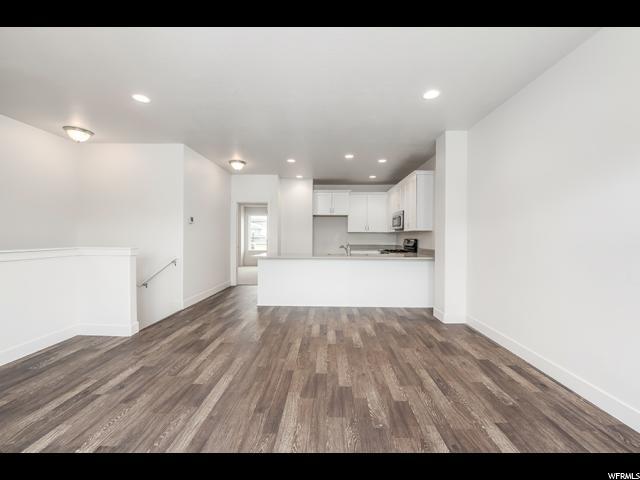 Additional photo for property listing at 9737 S KATO Drive 9737 S KATO Drive South Jordan, Utah 84095 États-Unis