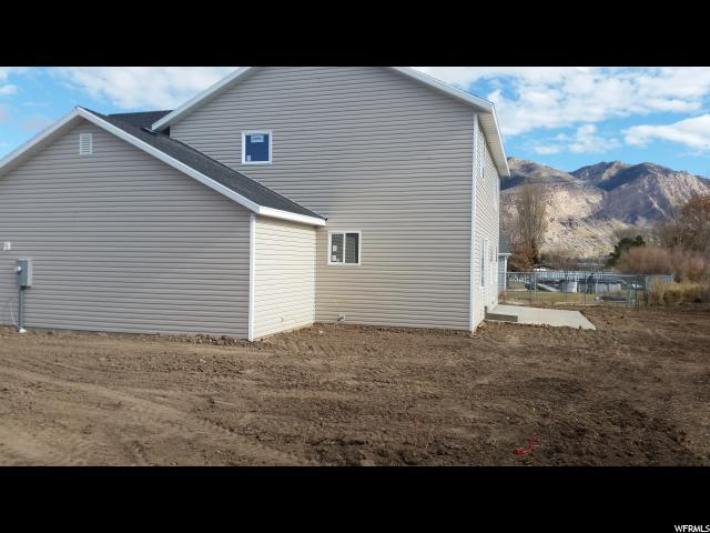 Additional photo for property listing at 417 W 1500 N 417 W 1500 N Harrisville, Utah 84404 États-Unis