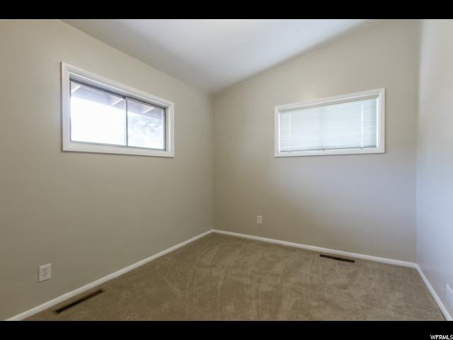 Additional photo for property listing at 833 E BOUGHTON Street 833 E BOUGHTON Street 奥格登, 犹他州 84403 美国
