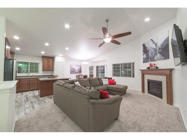 Additional photo for property listing at 693 W PARKVIEW Drive 693 W PARKVIEW Drive Lehi, 犹他州 84043 美国