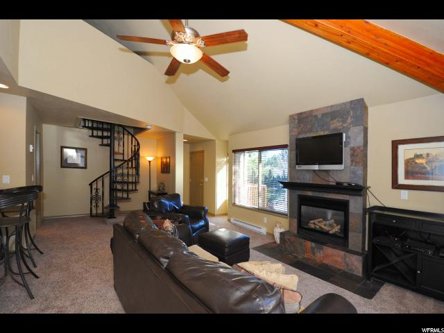 Additional photo for property listing at 2100 CANYONS RESORT 2100 CANYONS RESORT Unit: 17-A-2 Park City, Utah 84098 United States