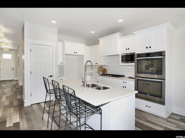 Additional photo for property listing at 1486 E SEGO LILY Court 1486 E SEGO LILY Court Unit: 120 Layton, Utah 84040 Estados Unidos