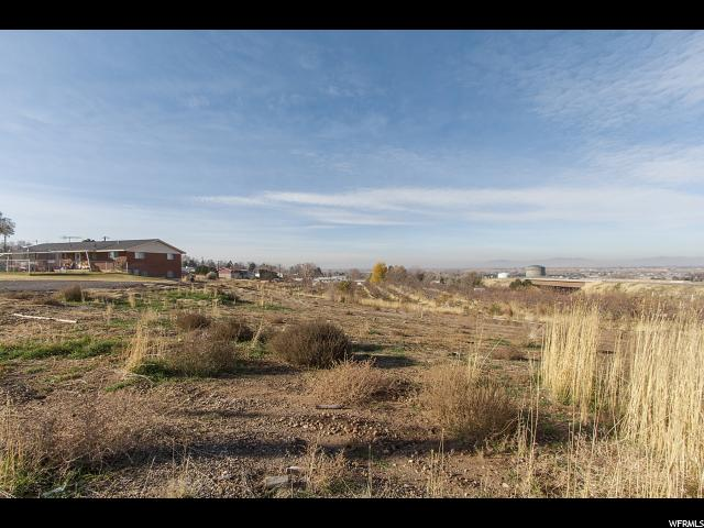 Additional photo for property listing at 3673 S 1900 W 3673 S 1900 W Roy, Utah 84067 United States