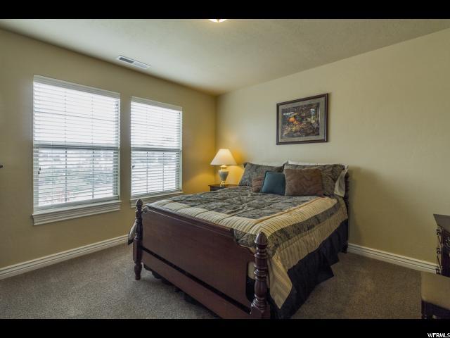 Additional photo for property listing at 947 E 5000 S 947 E 5000 S South Ogden, Utah 84403 États-Unis