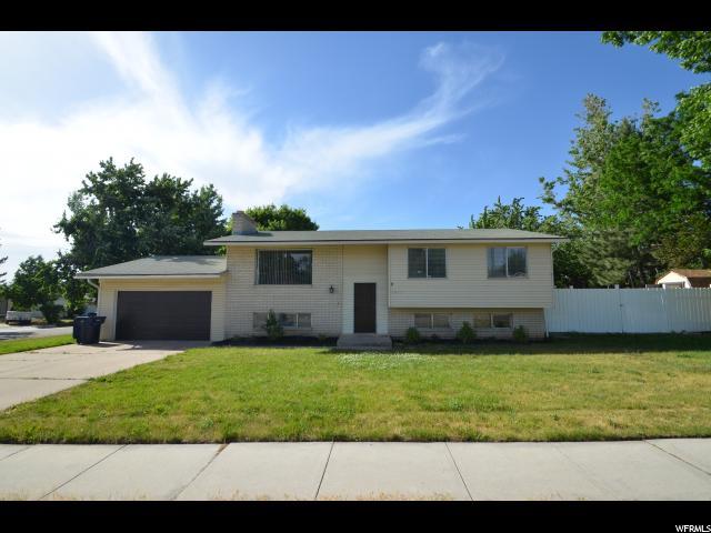 Single Family للـ Sale في 1011 E ROSEWOOD 1011 E ROSEWOOD Layton, Utah 84041 United States