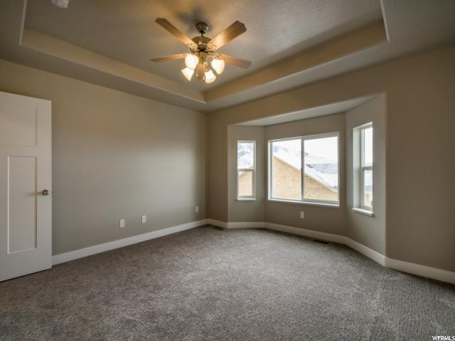 Additional photo for property listing at 507 E 3725 N 507 E 3725 N North Ogden, Utah 84414 États-Unis