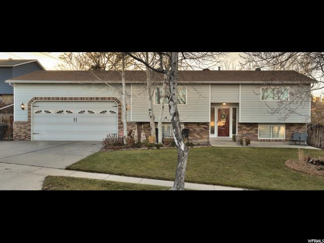 Single Family for Sale at 5372 S QUEENSWOOD Circle 5372 S QUEENSWOOD Circle Taylorsville, Utah 84129 United States