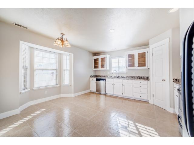 Additional photo for property listing at 929 S 1850 W 929 S 1850 W Springville, Utah 84663 Estados Unidos