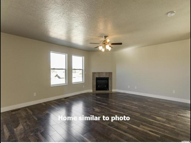 Additional photo for property listing at 2147 W 3150 S 2147 W 3150 S West Haven, Юта 84401 Соединенные Штаты