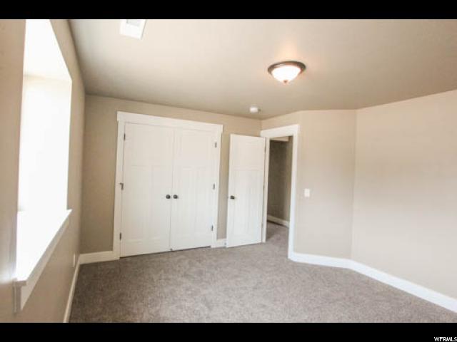 Additional photo for property listing at 2678 W 3375 N 2678 W 3375 N Farr West, Utah 84404 Estados Unidos
