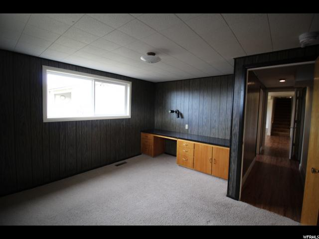 Additional photo for property listing at 347 S 1000 E 347 S 1000 E River Heights, Utah 84321 États-Unis