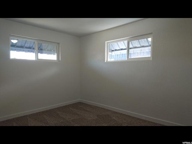 Additional photo for property listing at 5110 S 4420 W 5110 S 4420 W Kearns, Utah 84118 Estados Unidos