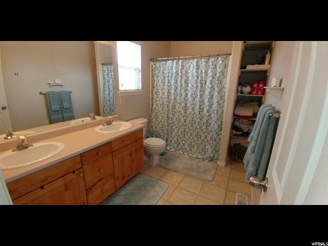 Additional photo for property listing at 5597 S 4015 W 5597 S 4015 W Taylorsville, Юта 84129 Соединенные Штаты