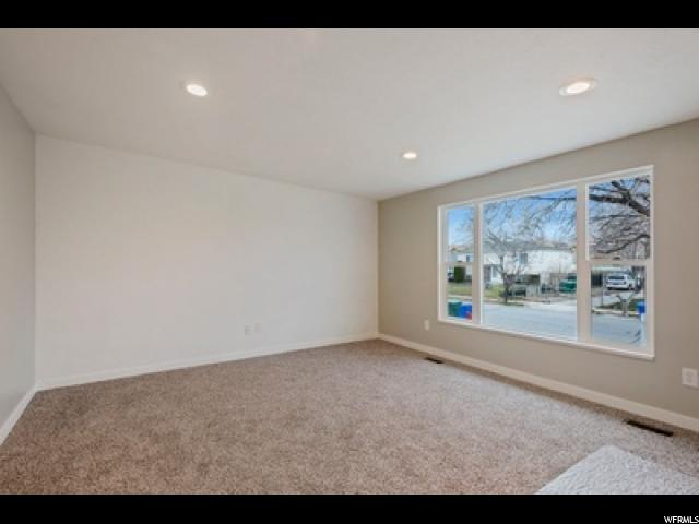 Additional photo for property listing at 6623 S SOMERSET 6623 S SOMERSET West Jordan, Utah 84084 États-Unis