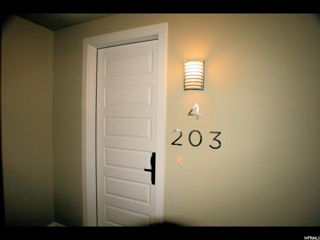 共管式独立产权公寓 为 销售 在 5228 W VILLA Drive 5228 W VILLA Drive Unit: 4-203 Hurricane, 犹他州 84737 美国