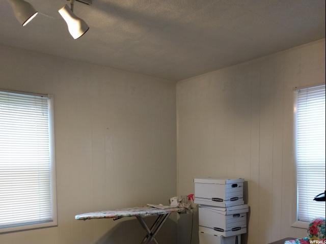 Additional photo for property listing at 145 W 200 N 145 W 200 N Bountiful, Utah 84010 Estados Unidos