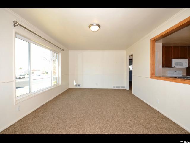Additional photo for property listing at 4740 S 250 E 4740 S 250 E Washington Terrace, Utah 84405 United States