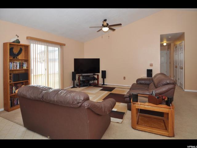 Additional photo for property listing at 5906 S ALPINE CREST Circle 5906 S ALPINE CREST Circle Salt Lake City, Utah 84118 Estados Unidos