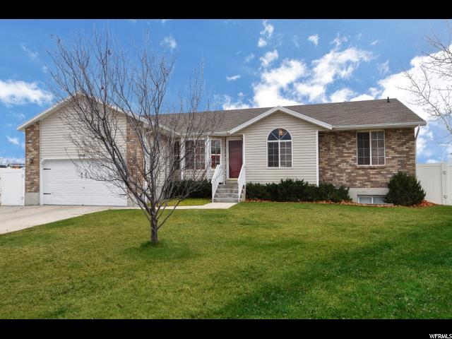 Single Family للـ Sale في 5906 S ALPINE CREST Circle 5906 S ALPINE CREST Circle Salt Lake City, Utah 84118 United States