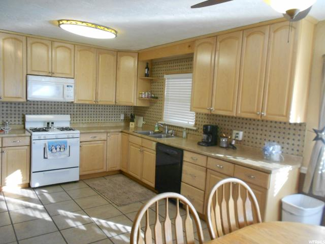 Additional photo for property listing at 4350 W 5900 N 4350 W 5900 N Bear River City, 犹他州 84301 美国